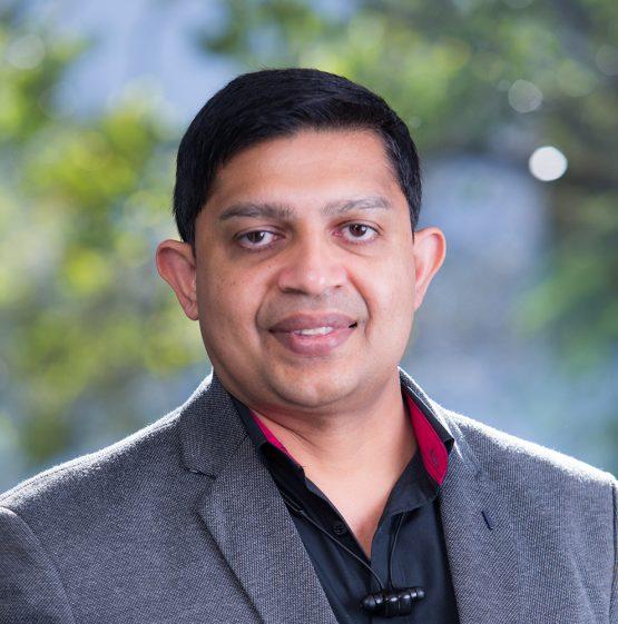 Dr Ritesh Prasad Bio Picture